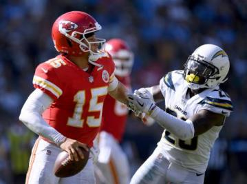 Kansas City Quarterback Patrick Mahomes warf vier Touchdown-Päse beim Sieg der Chiefs in Los Angeles