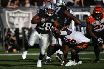 #28 Josh Jacobs (Oakland Raiders) erlief immerhin 112 Yards