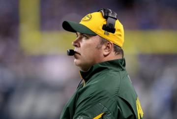 Mike McCarthy zerrt sein Trainerteam fest.