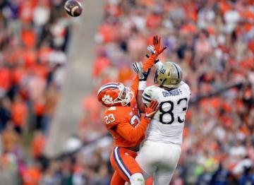 Van Smith #23 (Clemson Tigers) beendete mit seiner Interception die Comeback Hoffnungen der Seminoles.