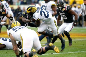 RB Karan Higdon erlief bei Michigans 21:7-Sieg beim Lokalrivalen Michigan State 144 Yards.
