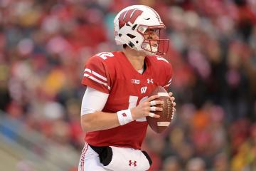 Wisconsin Badgers Quarterback Alex Hornibrook
