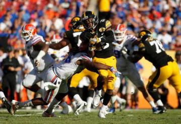 Running Back Akrum Wadley #25 (Iowa Hawkeyes)