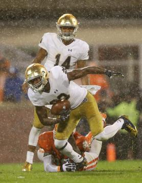 Josh Adams #33 (Notre Dame Fighting Irish)