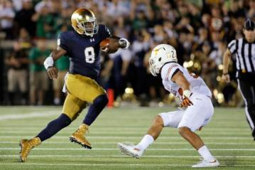 Malik Zaire #8 (Notre Dame Fighting Irish)