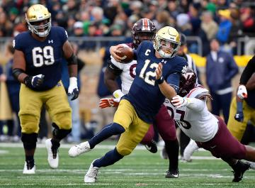 QB Ian Book (Notre Dame Fighting Irish)