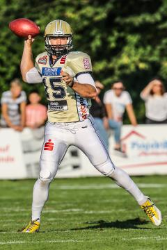 QB Brandon Connette im Dress der Dresden Monarchs am 26. September 2016.