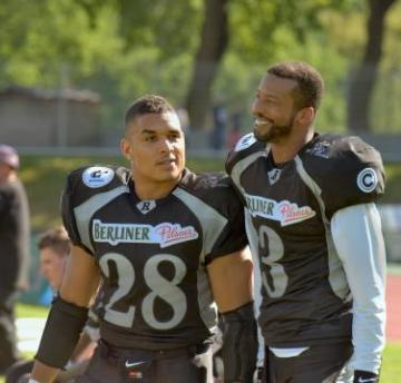 # 28 RB Larry McCoy und # 3 WR Darius Outlaw (Berlin Rebels)