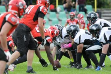 Line-of-Scrimmage im Spiel Spandau Bulldogs vs. Berlin Rebels II
