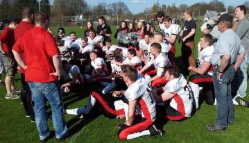 Die Junior Wolves Norderstedt im Schlußhuddle.