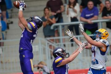 Vienna Vikings DB Luis Horvath mit der entscheidenden Interception.