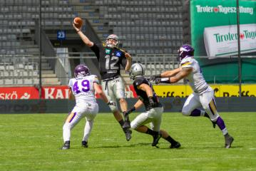 american football aktuell raiders spielen vikings an die wand. Black Bedroom Furniture Sets. Home Design Ideas