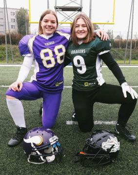 #88 Selina Loibner (Vienna Vikings Ladies) und # 9 Katharina Tschrepitsch (Danube Dragons Ladies)