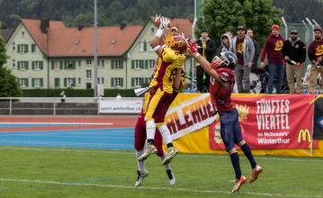 Interception durch Winterthurs Noah Tyson.