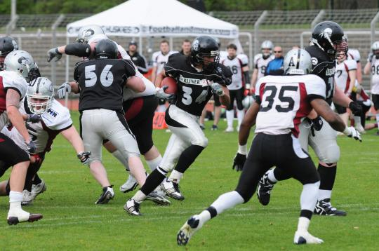 #34 RB Samuel Shannon (Berlin Rebels) bei...