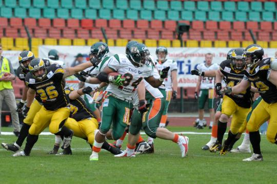 RB Julian Ampaw (#34, Kiel Baltic...