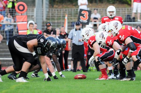 Line of Srimmage beim Spiel Berlin Rebels vs. New Yorker Lions