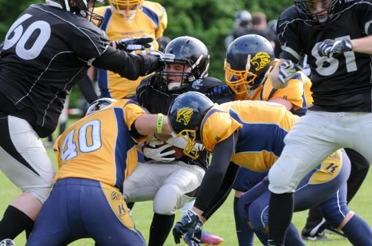 RB Philip Hauke (Nr. 9, Berlin Rebels) wird...