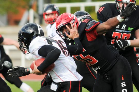 QB-Sack durch DL Michael Reynolds (Nr. 55,...