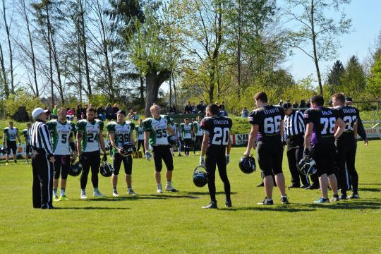 Captains Coin Toss bei der Partie Traunreut Munisier - Passau Pirates