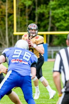 QB # 13 Carson Williams / Giessen Golden Dragons