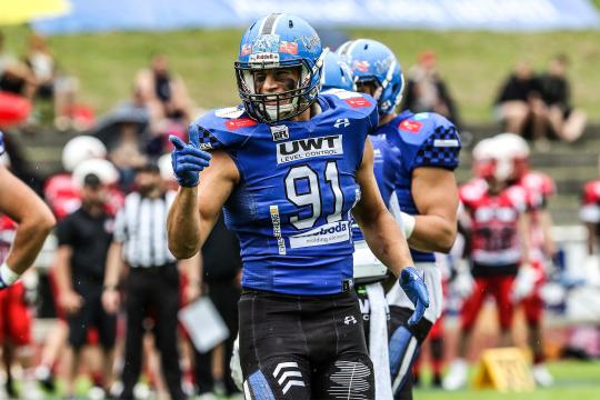 You only get one shot, do not miss your chance to blow, this opportunity comes once in a lifetime: Allgäu Comets DL #91 Peter Arentsen