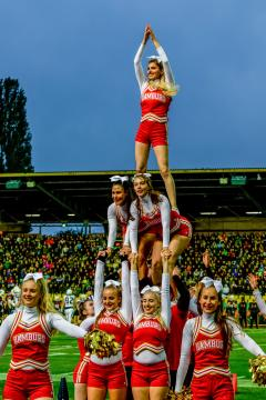 XXXIX. German Bowl - die Cheerleader