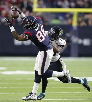 Jordan Akins #88 (Houston Texans)