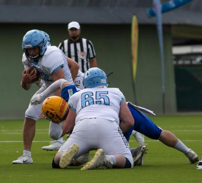 Graz Giants (blau) vs. Elmhurst Bluejays (weiß)